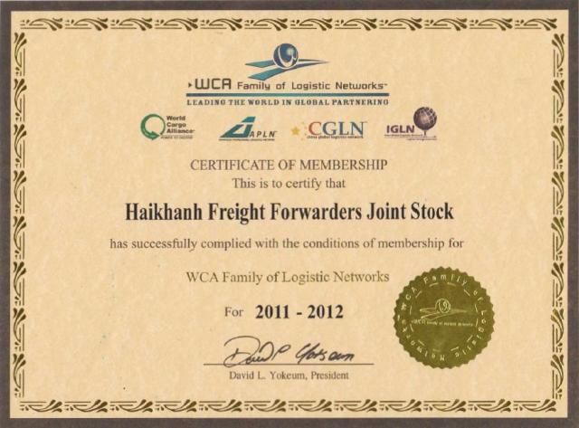Hải Khánh nhận chứng chỉ thành viên WCA 2011-2012