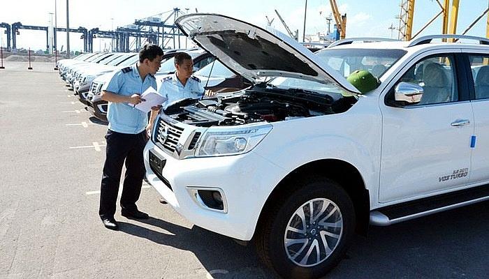 Ô tô và dầu thô giúp ngân sách nhà nước tăng mạnh