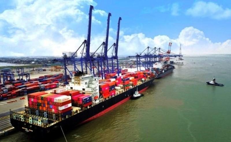 Hàng container qua cảng biển Việt Nam ước đạt gần 16,8 triệu TEUs