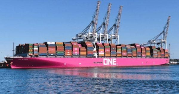 Tàu ONE Apus chuẩn bị rời Kobe tiếp tục hành trình đến Long Beach